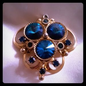 Jewelry - Royal blue Rivoli brooch/pendant